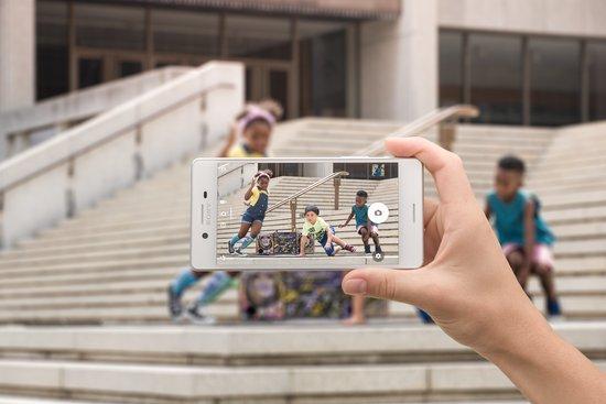 Sony Xperia X 1