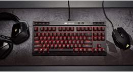 Corsair mechanical keyboard met headset en muis